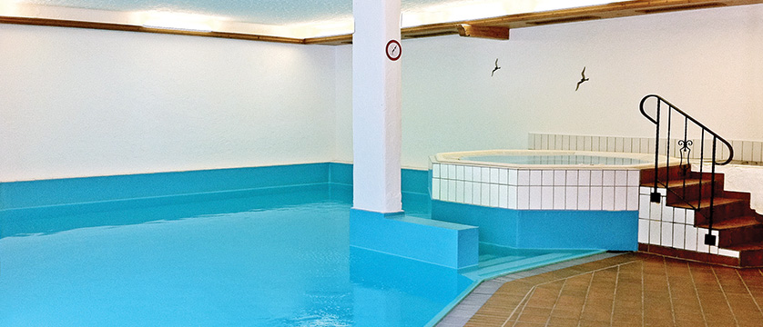 Switzerland_Zermatt_Hotel_Alpen_Royal_indoor_pool.jpg